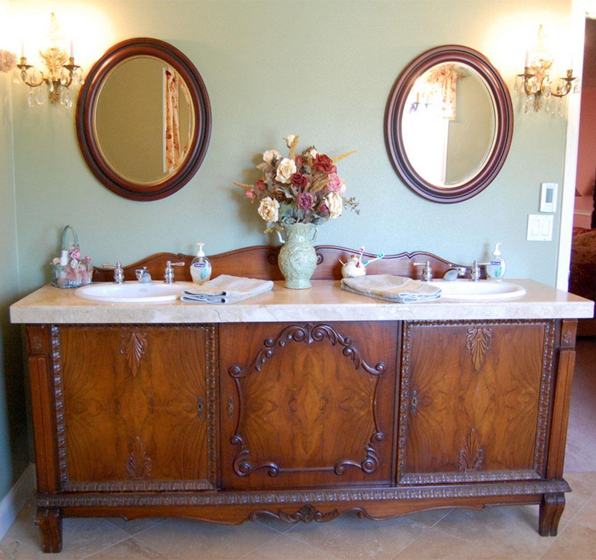 Antique style bathroom vanity