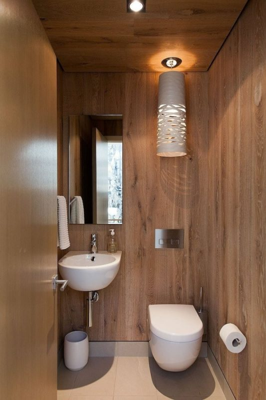 small-toilet-space-small-toilet-room-design-comfortable-600x900