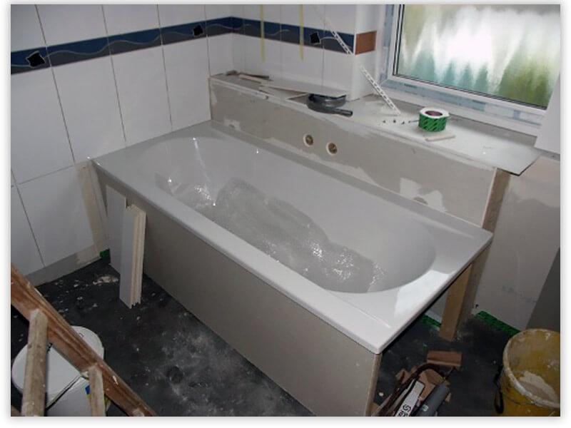 установка акрилоавой ванны