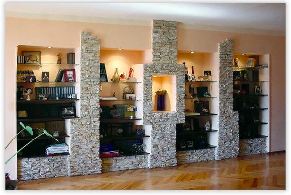 Конструкции из гипсокартона, отделанные декоративным камнем