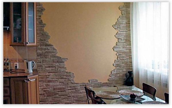Стена из декоративного камня на кухне