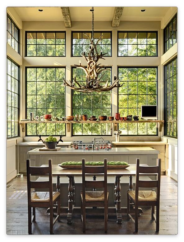 дизайн окна на кухне