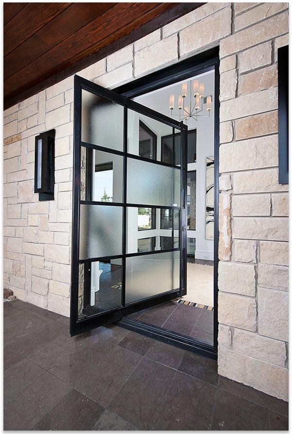 Входные двери стеклянные