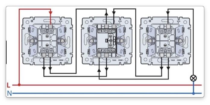 Схема управления лампой с трех точек