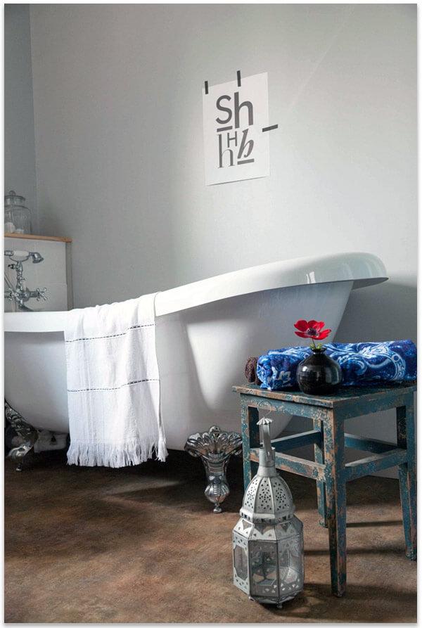 линолеум в интерьере ванны