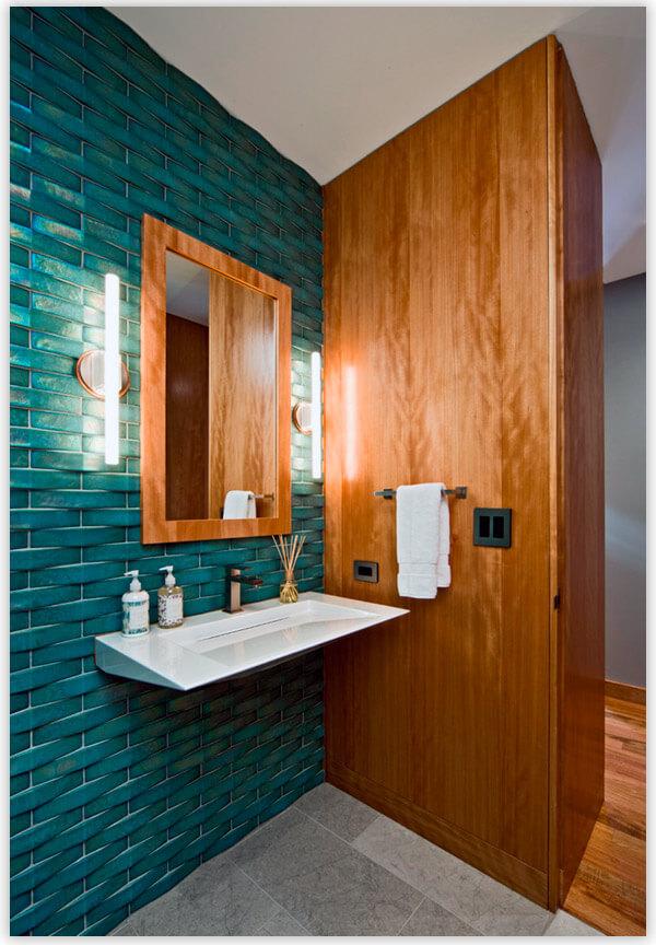 плитка для ванной комнаты под дерево